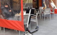 La normativa de los patines eléctricos en León impide circular por las aceras y superar los 10km/h en zonas peatonales