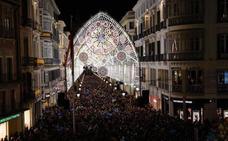 Málaga ilumina la Navidad a ritmo del villancico 'Altozano' de Café Quijano