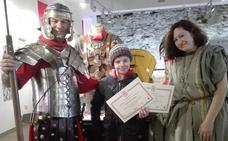 160 niños reciben el diploma de 'ciudadano de Legio' al finalizar los Talleres de Ciudadanía Romana