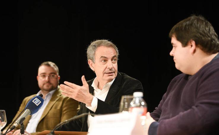 Zapatero, en Oviedo: «Sería de malos políticos no adelantarse al fin del carbón»
