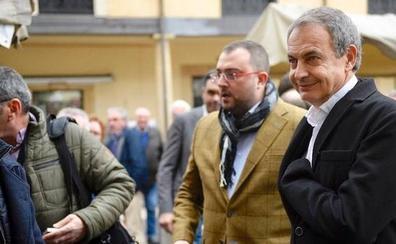 Zapatero asegura en Oviedo que «sería de malos políticos no adelantarse al fin del carbón»