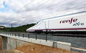 Renfe refuerza el AVE entre León y Madrid con 2.000 plazas más para el puente de la Constitución