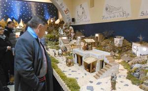 Lorenzana vuelve a exponer su gran Belén artesanal