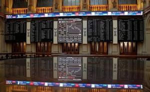El Ibex-35 baja un 0,55%, pero salva los 9.000 puntos