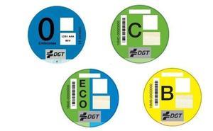 Correos vende en León cerca de 2.000 etiquetas ambientales para vehículos