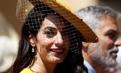 Amal Clooney arremete contra Trump
