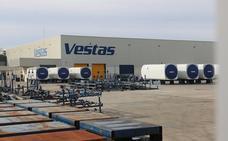 El 'caso Vestas' lleva al Gobierno a obligar a las industrias que reciban ayudas a mantener su actividad durante tres años