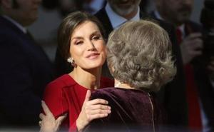 El gesto de Letizia a la Reina Sofía que ha dado la vuelta al mundo