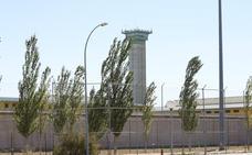 Un preso agrede con un cúter artesano a un funcionario de la prisión de Topas