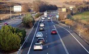 El balance del puente en las carreteras de León: dos heridos en Cabañas Raras