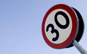Prohibido circular a más de 30 kilómetros/hora por las calles de sentido único