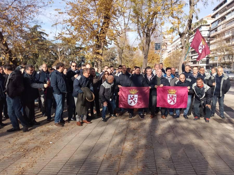 180 funcionarios de Villahierro participan en una gran manifestación del sector de trabajadores de prisiones en Madrid