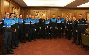 El 'plan renove' de la Policía Local suma once nuevos agentes y espera la llegada de otros nueve