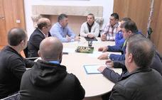 La Diputación se pone a disposición de los trabajadores de Peal para luchar por «unas reclamaciones justas»