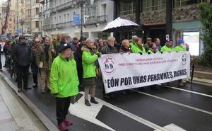 Más de un centenar de personas reclaman unas pensiones que garanticen el relevo generacional