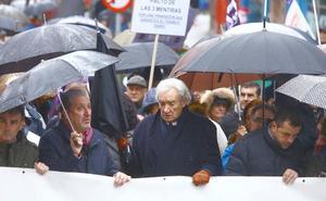 Cientos de personas recorren las calles de Ponferrada para reivindicar el futuro de El Bierzo