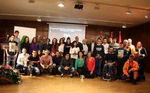 El triatlón de Castilla y León reconoce la trayectoria de Kevin Viñuela