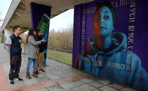 El Ayuntamiento de León entrega los premios del concurso de arte urbano 'El valor de ser joven'