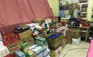 La Cofradía de Nuestra Señora de Angustias y Soledad recoge 3.000 kilos de alimentos solidarios