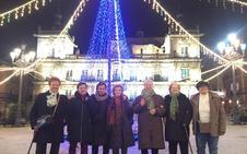 Dos taxis solidarios llenan de luz la Navidad