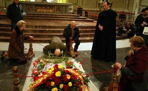 El Supremo decide si paraliza la exhumación de Franco como pide su familia