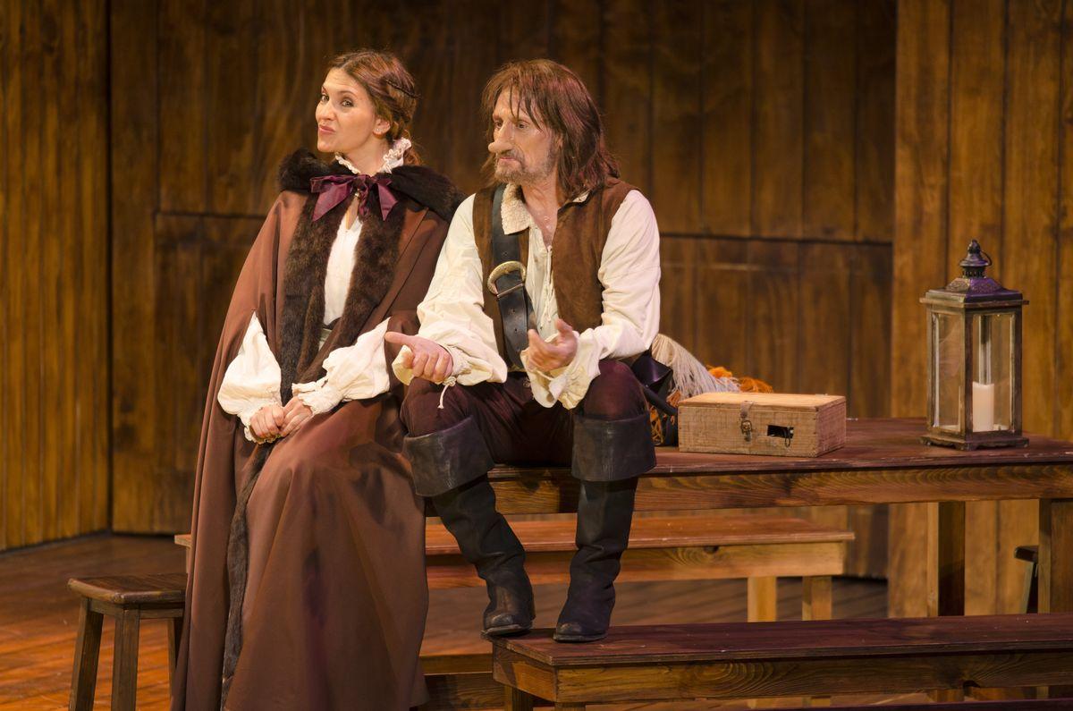 El actor José Luis Gil representa a 'Cyrano de Bergerac' en el Auditorio de León