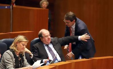 PP y PSOE se enzarzan por la despoblación