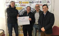 Cementos Cosmos y sus empleados donan 3.000 euros a los Bancos de Alimentos de Toral y de Ponferrada