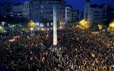 Miles de personas se manifiestan en Barcelona por la autodeterminación