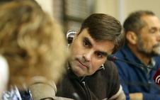 El alcalde de Cacabelos asegura que no tiene constancia de que el PSOE haya solicitado su suspensión de militancia tras su condena a nueva años de inhabilitación