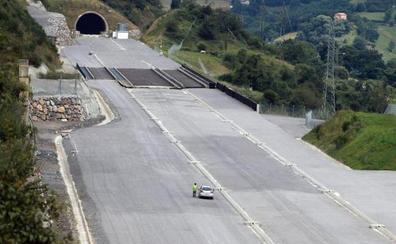 La vía con ancho internacional de la Variante de Pajares obligará a reducir la velocidad de los trenes a 180 kilómetros