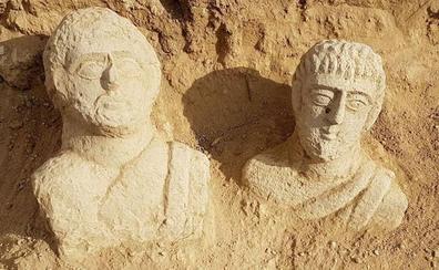 La lluvias exponen en Israel dos bustos funerarios romanos de hace 1700 años