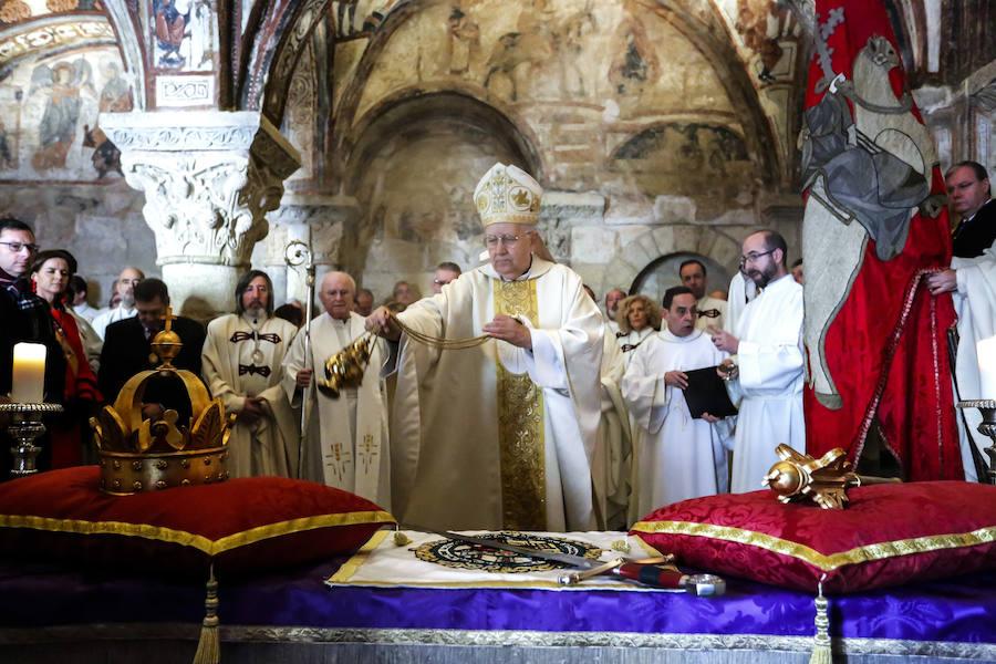 Responso por los Reyes de León en el Panteón Real de San Isidoro