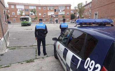 Policías de Valladolid denuncian que fueron rodeados por 200 vecinos de Las Viudas al acudir a investigar unos disparos