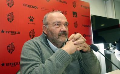 El Reus paga a Olmo y Querol y evita la desaparición