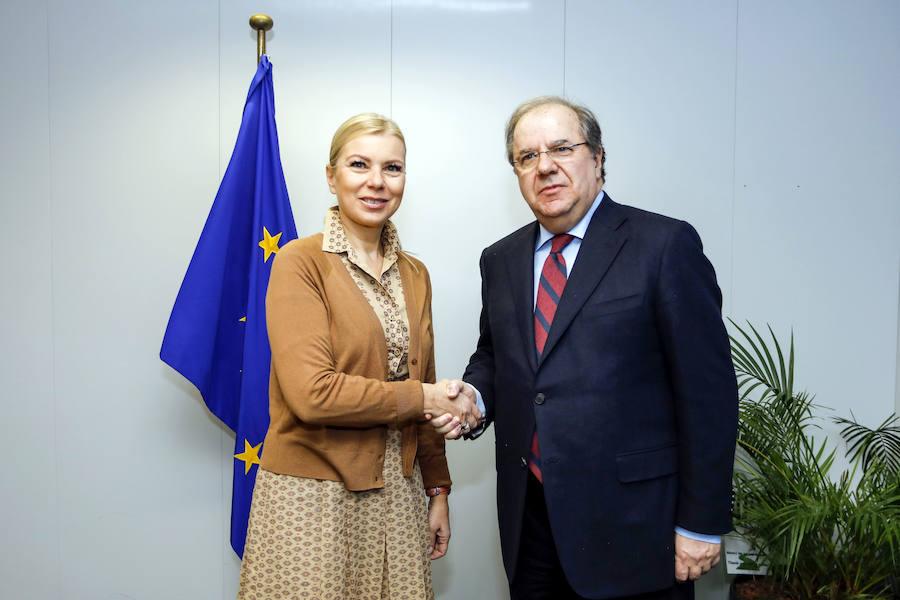 El presidente de la Junta se reúne con la comisaria de Mercado Interior, Industria, Emprendimiento
