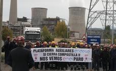 Las auxiliares de Endesa se manifiestan este jueves ante el Ayuntamiento de Ponferrada en demanda de un plan social