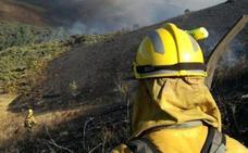 Medios de la Junta intervienen en la extinción de un incendio en Villar de las Traviesas