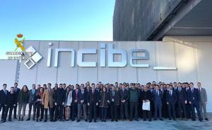 75 alumnos de la Guardia Civil de Madrid han visitado la sede del Incibe