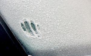 Frío para tiritar en León y descenso en la cota de nieve en la provincia