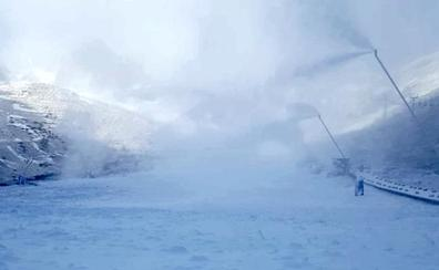 San Isidro arranca los cañones ante el frío de las últimas horas, aunque sigue esperando la nieve