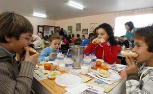 Los informes de la Junta y empresa concluyen que se «no detectó ningún parásito» en la comida servida en el colegio de Toral