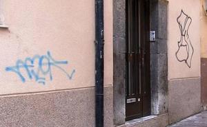 UPL exige la limpieza de los grafitis de la ciudad y reclama un lugar común y «oficial» para los grafiteros