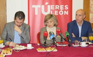 La ministra de Sanidad augura en León que antes del verano la Ciudad del Mayor estará activa