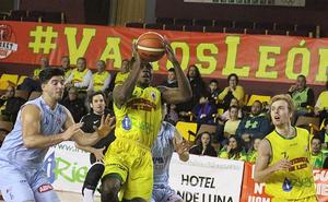 Basket León sufre para mantener el primer puesto