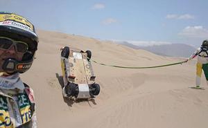 Calleja abandona el Dakar tras sufrir un aparatoso accidente y volcar con su vehículo