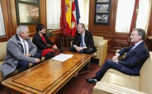 León y San Andrés apuestan por «mancomunar servicios» en las 27 poblaciones del alfoz y sus 220.000 habitantes