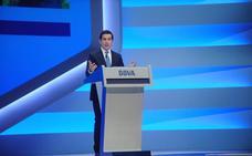 El presidente de BBVA tacha de «deplorable» el espionaje vinculado a Francisco González