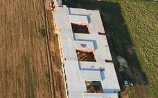 Avanza la construcción del centro de la tercera edad de Villadangos con el revestimiento exterior por más de 427.000 euros