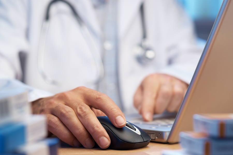 Casi 5.000 médicos se jubilarán en la próxima década en Castilla y León